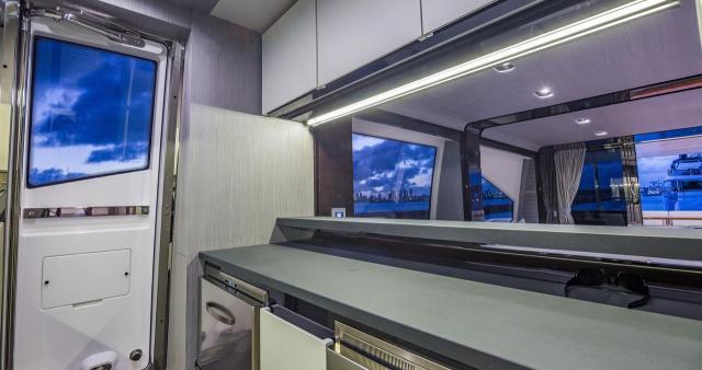80 Azimut Flybridge